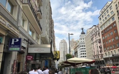 Madrileñas, Tejas and How to Treat a Customer